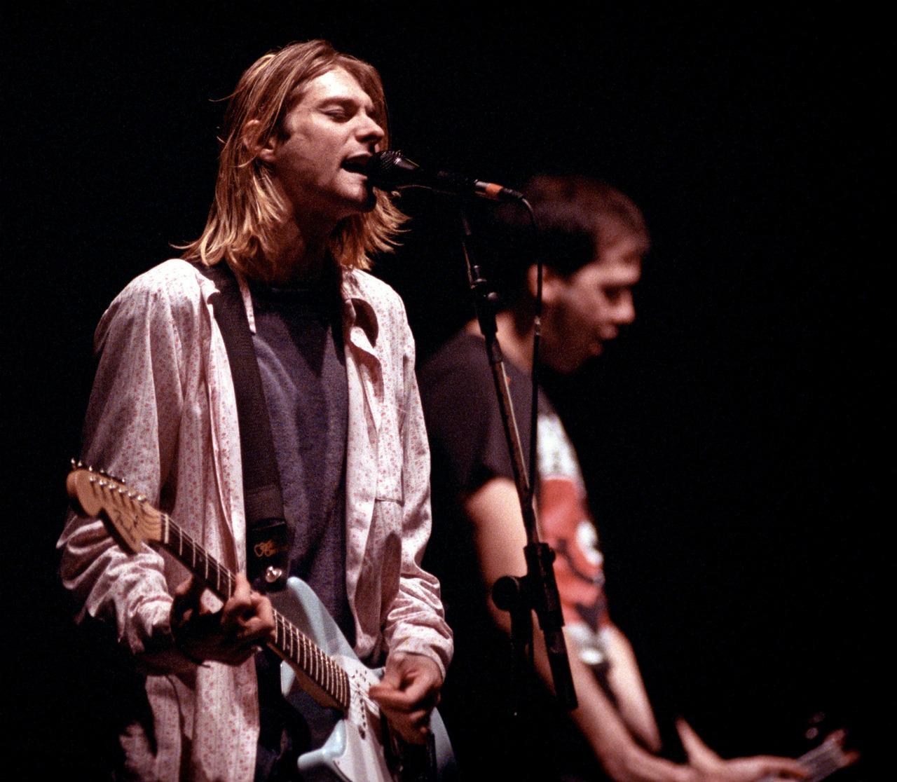 Видео Kurt Cobain и Fender Jag-Stang